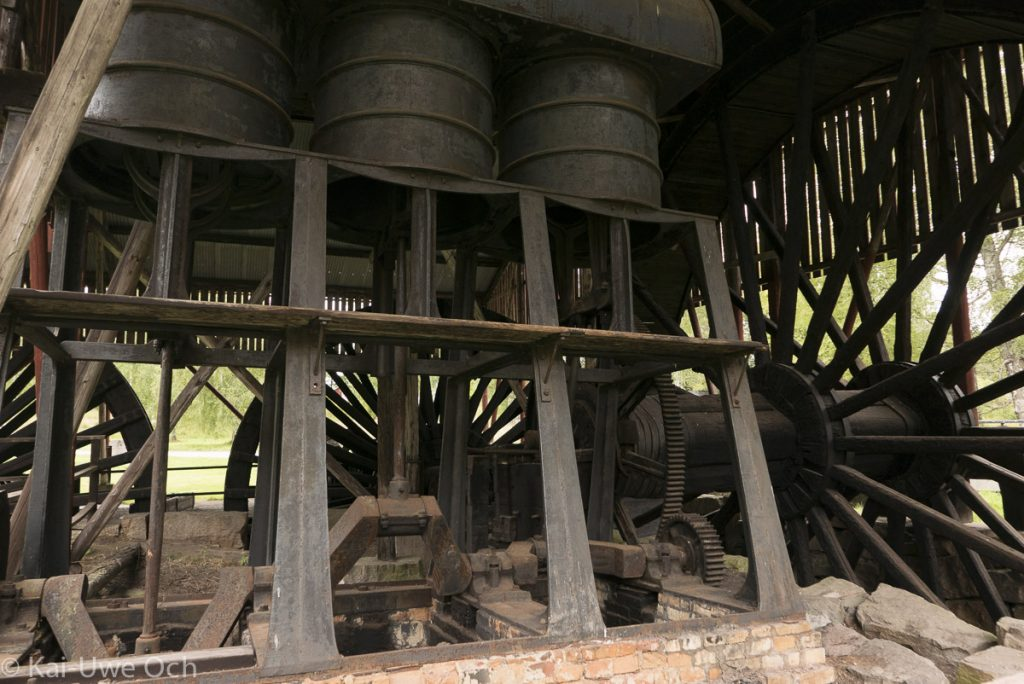 Blasmaschine - angetrieben über ein Wasserrad lieferte sie die Gebläseluft für die Schmiedeöfen.